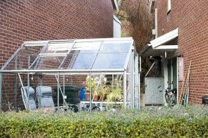 Uppvärmt växthus med gammal luft